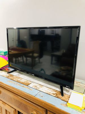 Tv 32' TCL roku for Sale in Boca Raton, FL