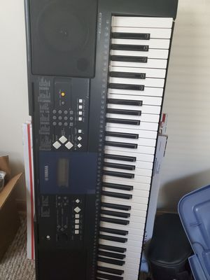 Yamaha PSR E333 61-Key Mid-Level Portable Keyboard comes with stand for Sale in Shelton, CT