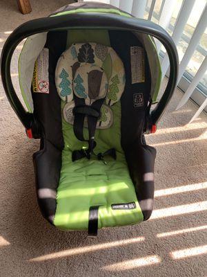 Graco Snugride 30 Infant car seat + base for Sale in Hopkins, MN