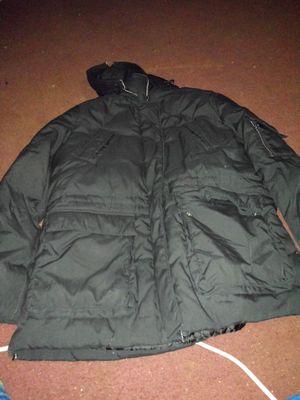 WOMEN'S BLACK COAT for Sale in Arvonia, VA