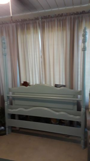 Queen size bed frame for Sale in Silsbee, TX
