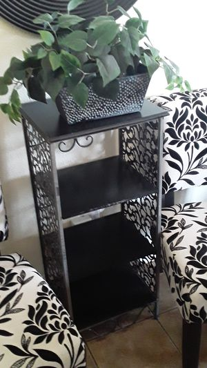 Small shelf unit for Sale in Los Angeles, CA