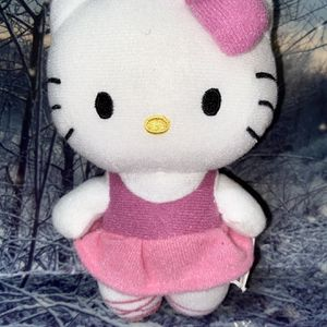 "Sanrio Hello Kitty 7"" plush toy doll for Sale in Bellflower, CA"