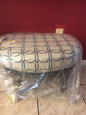 Ottoman ,pewter for Sale in Winter Haven, FL