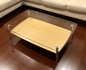 Coffee table with glass top for Sale in Tacoma, WA