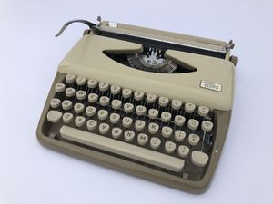 1961 Triumph Tippa Typewriter (Portable) for Sale in Fresno, CA