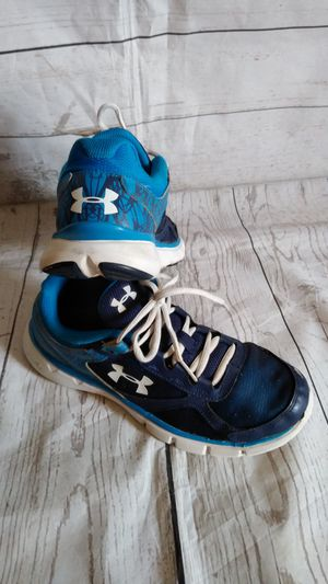 Cute Under Armour Shoes size 7y ( good condition ) for Sale in Frederick, MD