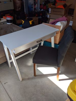 Target desk and chair combo for Sale in Bend, OR
