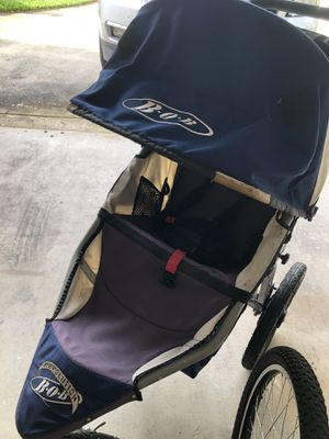 BOB stroller for Sale in Palm Beach Gardens, FL