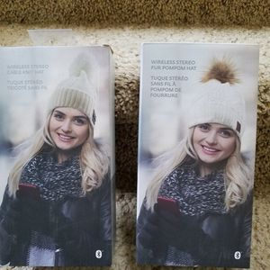 Wireless stereo pom pom knit hat for Sale in Tualatin, OR