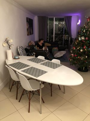 Table for free (table only) for Sale in Miami Beach, FL