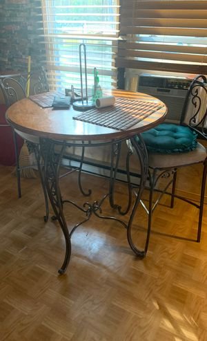 Table and chairs for Sale in Petersburg, VA