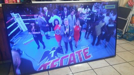 """vizio 70"""" smart tv with remote #d70-d3 for Sale in Cerritos,  CA"""