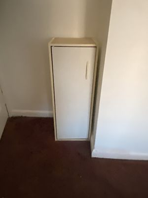 Small storage cabinet. 12Lx12Wx32H for Sale in Queens, NY