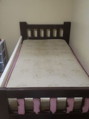 Wood Twin bed with Mattress for Sale in Fresno, CA