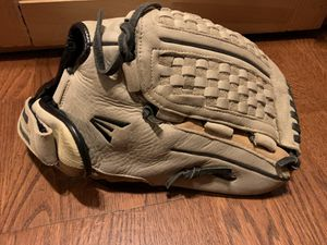 12 1/2 inch Easton softball glove for Sale in Modesto, CA