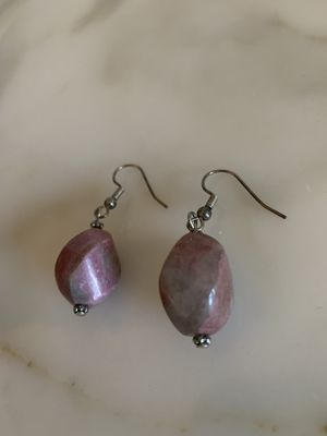 vintage purple stone drop earrings jewelry, in great condition for Sale in Hobe Sound, FL