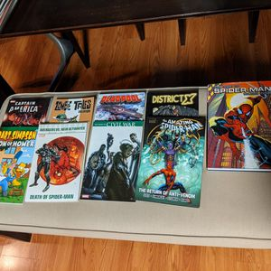 MISC Lot Of Graphic Novels Comic Books- Marvel Spiderman, Captain America for Sale in Pico Rivera, CA
