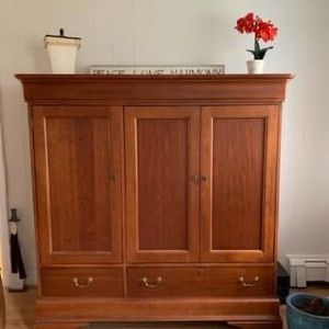TV Console/ Media Center/storage for Sale in Hingham, MA