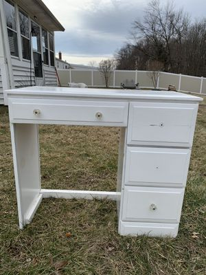 Desk for Sale in Enfield, CT
