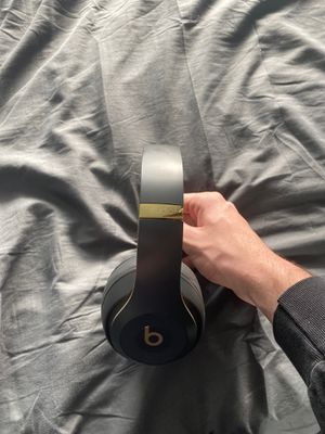 Wireless beats studio3 headphones for Sale in Scottsdale, AZ