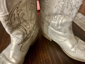 Girls Rose Gold Boots. Worn twice. size 3. Pictures don't capture the color fully, they're SO CUTE! Porch pick up OFallon mo POOS for Sale in O'Fallon, MO