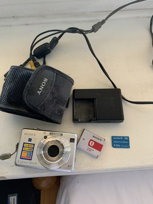 Sony Dsc-w100 digital camera with 512 Sony memory stick for Sale in City of Industry, CA