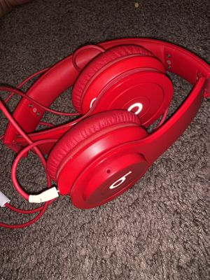Like new RED BEATS Headphones for Sale in Sacramento, CA
