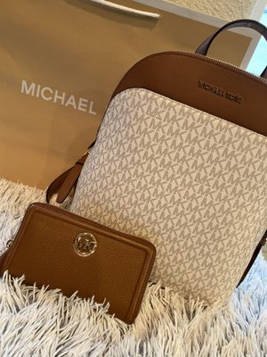 Michael Kors backpack for Sale in HILLTOP MALL, CA