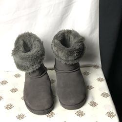 SO Gray Leather Winter Fluffy Boots Wm 11 for Sale in Choctaw,  OK