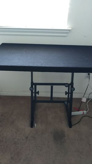Dj equipment holder for Sale in Lake View Terrace, CA