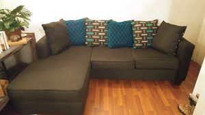 Sectional sofa with left or right chaise option for Sale in New Port Richey, FL