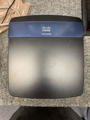 Free older router for Sale in Fife, WA