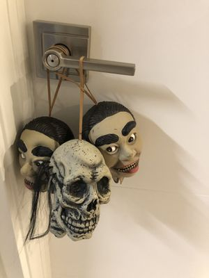 SMALL - Halloween Hanging Heads for Sale in Palm Springs, FL