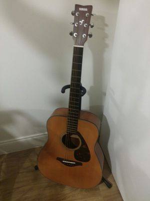 Acoustic guitar Yamaha for sale for Sale in Lake Worth, FL