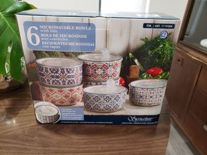 Stoneware microwave safe tupperware vacuum lid bowls for Sale in Miami, FL
