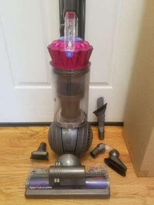 NEW cond DYSON BIG BALL COMPLETE MODEL VACUUM WITH COMPLETE ATTACHMENTS, ACCESSORIES, AMAZING SUCTION,, WORKS EXCELLENT, for Sale in Auburn, WA