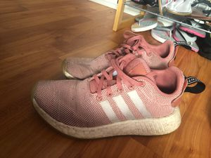 NMDs Adidas Pink Women Size 6.5 for Sale in Pembroke Pines, FL