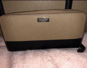 Kate Spade Tote and matching wallet for Sale in Conroe, TX