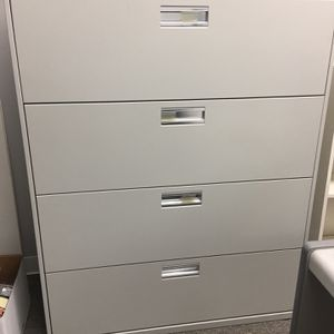 Hon Lateral Filing Cabinet for office for Sale in Newhall, CA