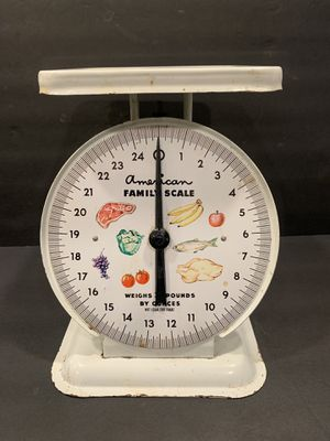 Vintage | Farmhouse | White American Family Kitchen scale for Sale in Siler City, NC