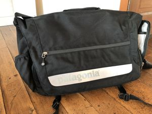 Patagonia black messenger bag laptop compartment for Sale in Seattle, WA