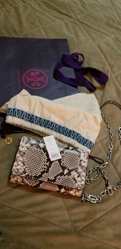 Authentic Tory Burch Robinson WOC for Sale in Arlington,  VA