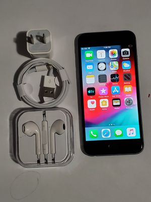 iPhone 6, !Factory Unlocked & iCloud Unlocked.. Excellent Condition, Like a New... for Sale in Springfield, VA