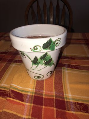Flower pot for Sale in Leominster, MA