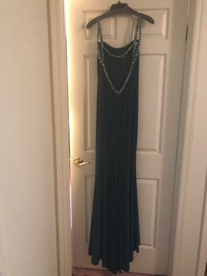 Brand New Faviana Evening gown. Size 4. for Sale in Old Bridge, NJ