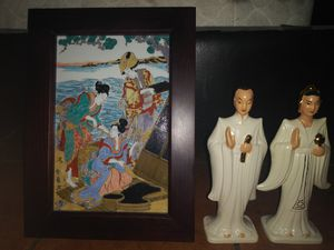Oriental collectibles bundle x2 framed hand painted tile /2 vintage roselane statues for Sale in Lawndale, CA