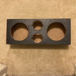 Speaker Box For Two 6.5 And Tweaters for Sale in Pasadena,  TX