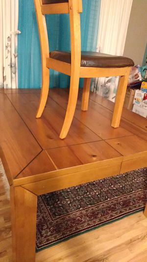 Dining room table for Sale in Greenville, SC
