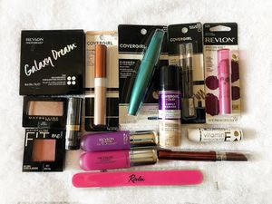 $20 Makeup Bundle 1 - Revlon, Covergirl, Maybelline for Sale in East Liberty, PA
